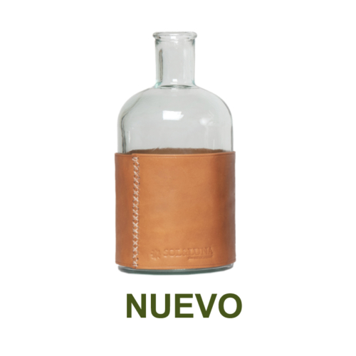 1 PN932LC Large water carafe and leather natural-es