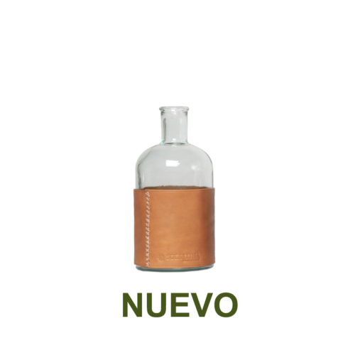 1 PN932SC Small water carafe and leather natural-es
