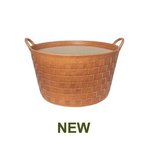 1 PN959LTC Large braided leather basket in natural-en