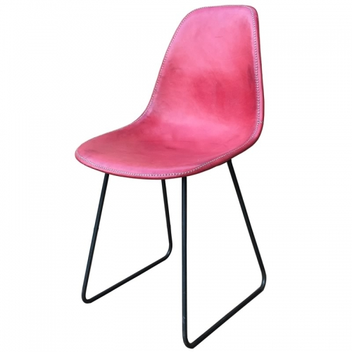 Side position of the red leather Armchair Sidney PN803F from Sol&Luna