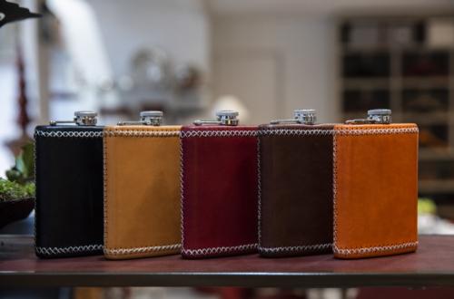 petacas de cuero artesania en cuero Madrid
