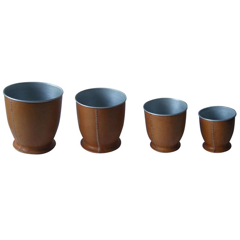 4 Floreros Maceteros de metal forrado en cuero en cuatro tamaños