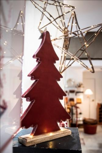 arbol de navidad en cuero rojo